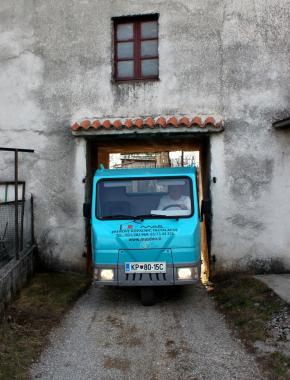 prevoz na zaprta dvorišča